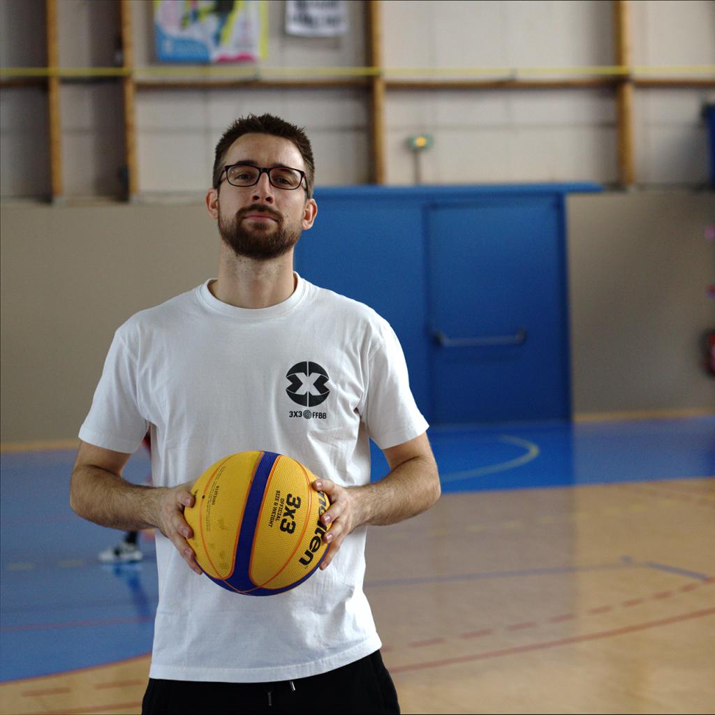 Marc-Antoine, enseignant en activités physique adaptées